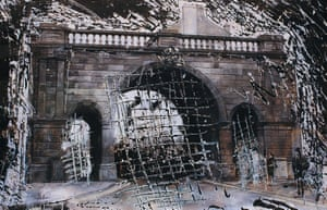 Ferryquay Gate, Derry, from Walls, 1989