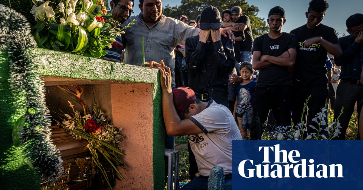Abandoned: gangs in Guatemala replace families – photo essay