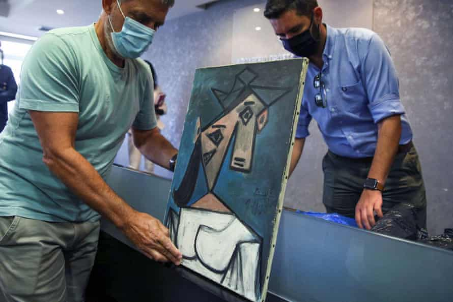 The newly recovered Head of a Woman by Pablo Picasso is displayed in Athens.