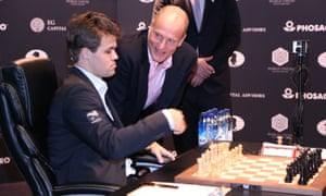 Magnus Carlsen chats with Woody Harrelson before the World Chess Championship