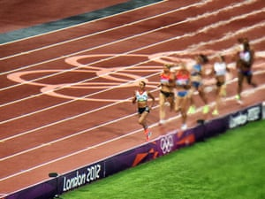 Ennis also won the final event, the 800m, in a season best time