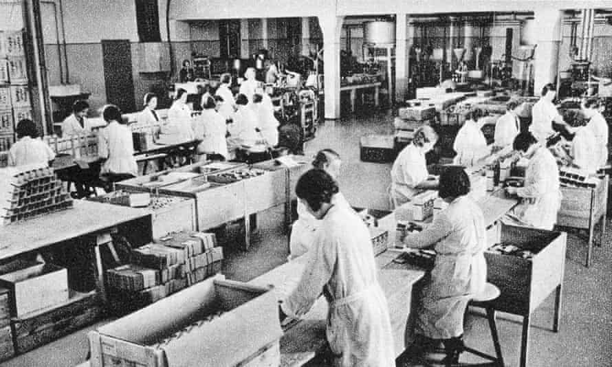 Workers at the Temmler factory in Berlin