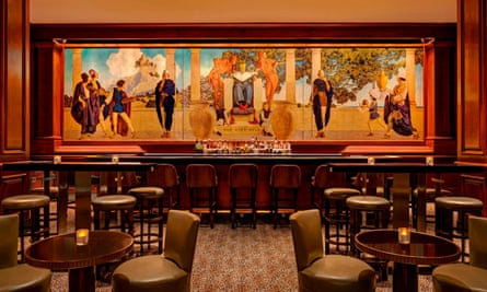 Mural and tables King Cole Bar, New York