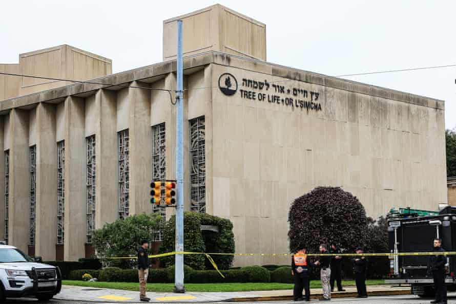 Police officers guard the Tree of Life synagogue in Pittsburgh.