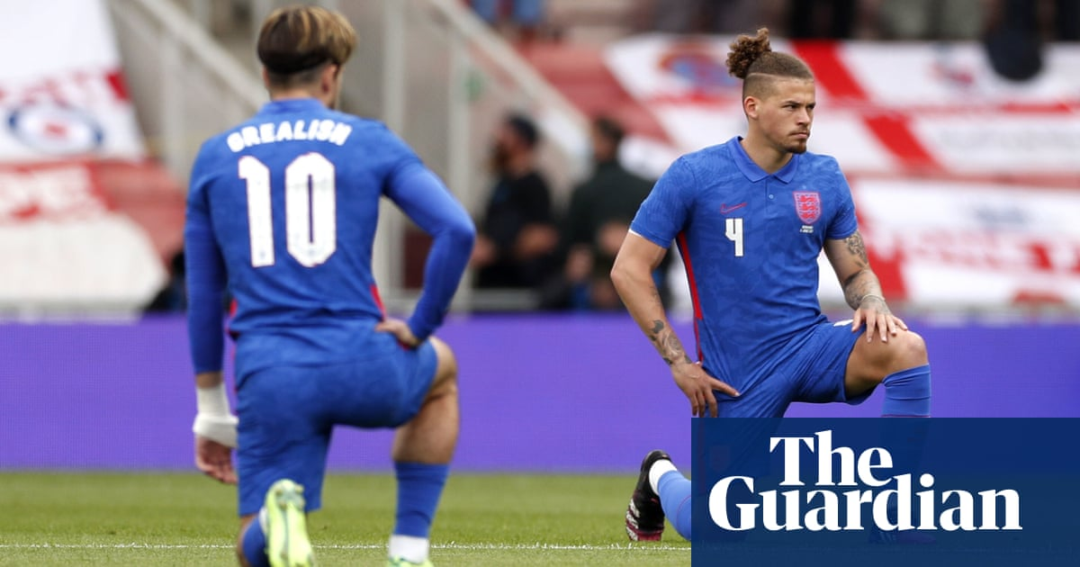England fans, how do you feel when you hear boos as players take a knee?