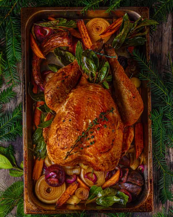 Perfect roast turkey by Lindsey Bareham. Observer Food Monthly 20 best easy Christmas recipes. . Food styling. Henrietta Clancy