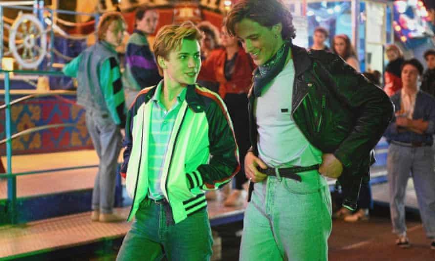 Félix Lefebvre as Alex and Benjamin Voisin as David in Summer of 85