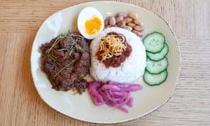 Beef rendang rice plate.