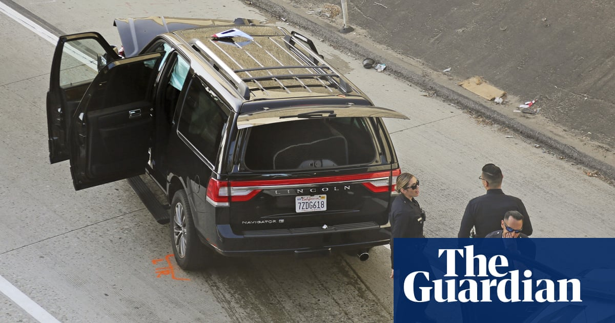 'Bring back the deceased person': police chase down stolen hearse in Los Angeles thumbnail