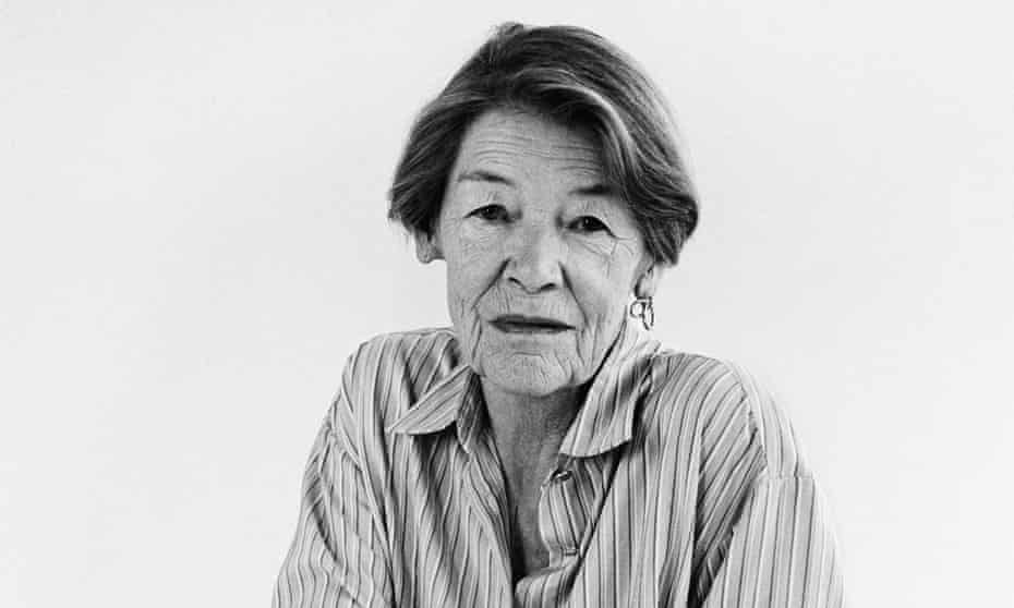 Glenda Jackson in black and white looking at the camera