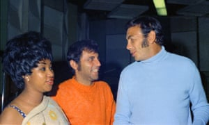 Hal Blaine, centre, with Aretha Franklin and Ed Ames in 1968.
