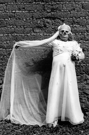 Graciela Iturbide - Novia Muerte (Death Bride), Chalma, 1990