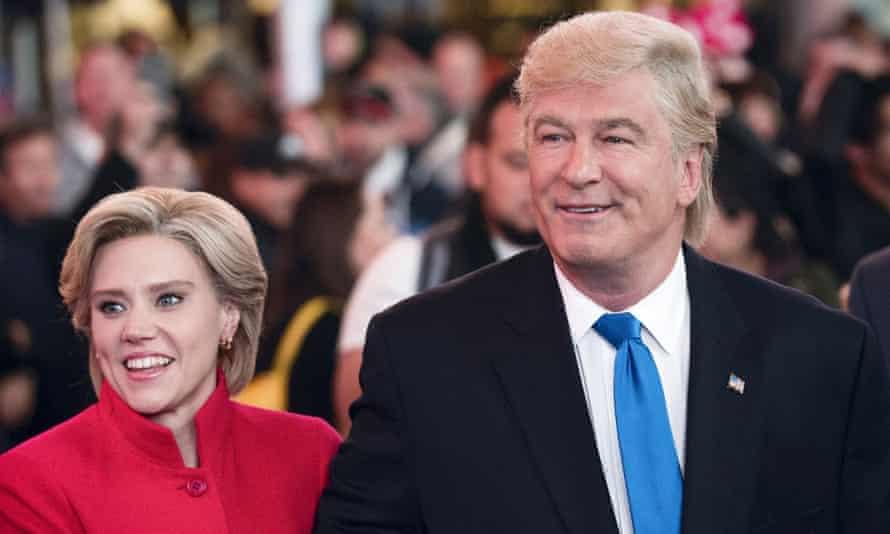 Saturday Night Live's Kate McKinnon as Hillary Clinton and Alec Baldwin as Donald Trump