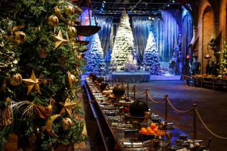 The Great Hall at Christmas. The Making of Harry Potter, Warner Bros Studio, Leavesden, Herts, UK.