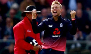 Joe Root celebrates dismissing Ed Joyce.