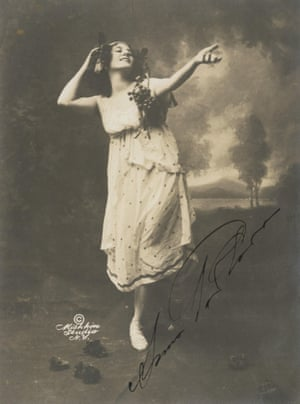 Anna Pavlova in the Bacchanale, 1910