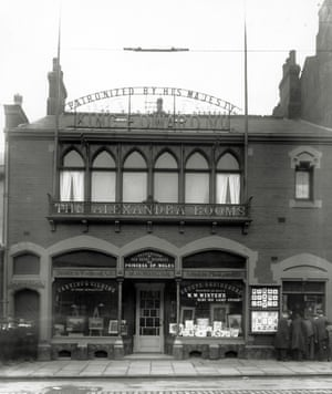 Frontage of W W Winter photography, the business moved to their purpose built studio in 1867. The metal signage was cut down for the war effort in the 1940s