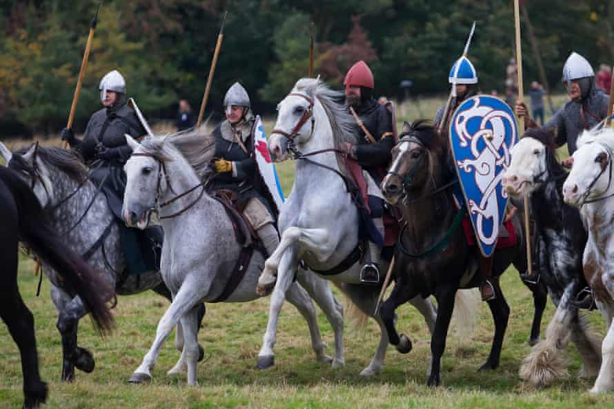 Norman cavalry attack the Saxon foot soldiers