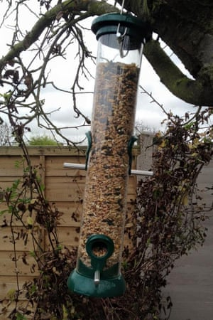 RSPB Easy-clean seed feeder medium