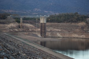 Burrendong dam (water supply for Dubbo), 30 kilometres south-east of Wellington. As of 9 September, capacity was 4.5%