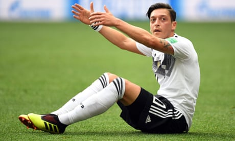 Mesut Özil retires from German national team citing discrimination