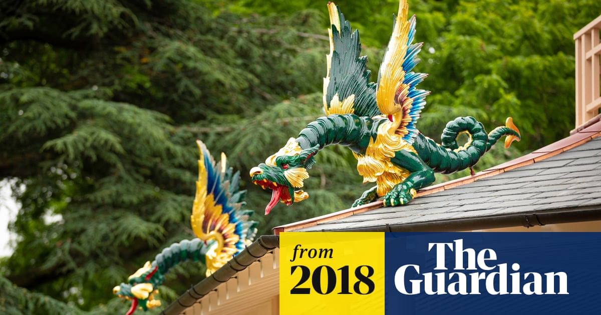 Dragons Return To Kew Gardens Pagoda After 200 Year Absence