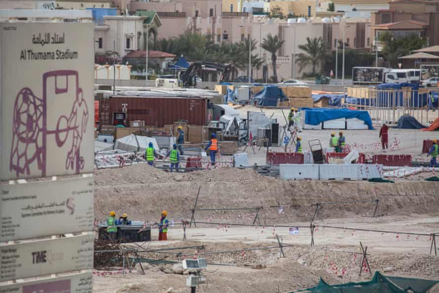 Construction workers in Qatar carry on as usual despite the coronavirus outbreak