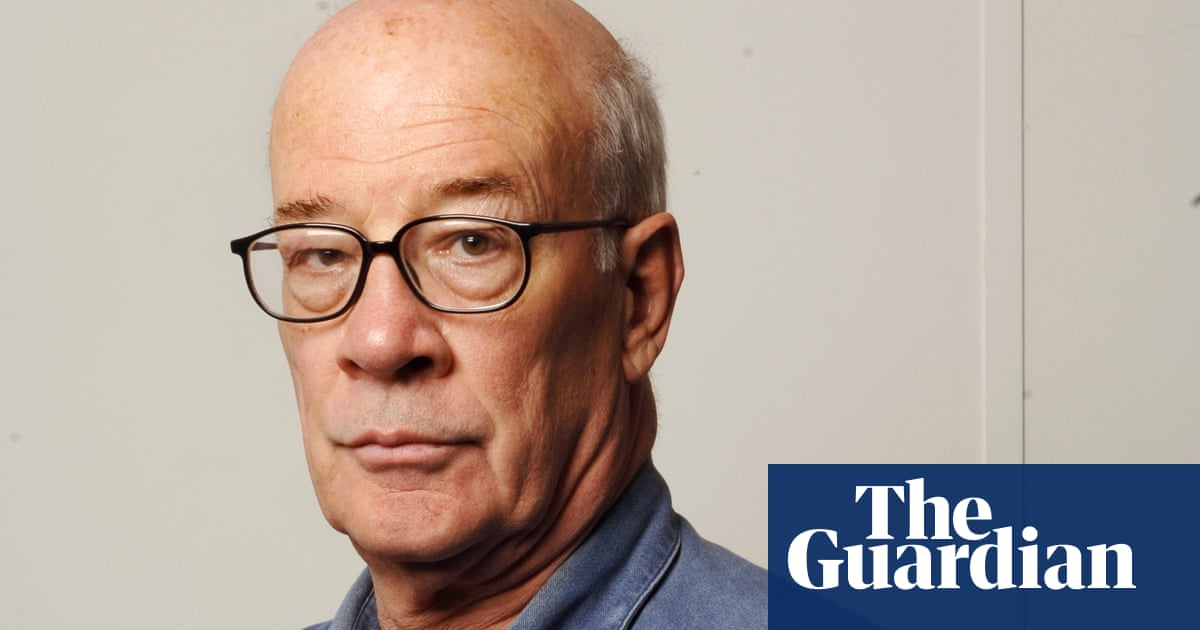 Martin Woollacott, former Guardian foreign editor, dies aged 81