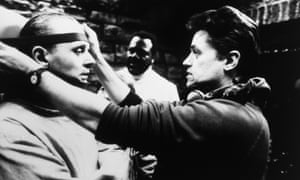 Jonathan Demme, right, directing Anthony Hopkins as Hannibal Lecter in The Silence of the Lambs, 1991.
