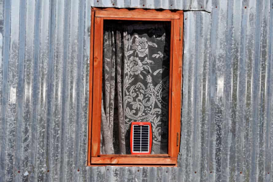 Colorful World: Fifty Shades of Silverepa08444319 A solar power charger in the window of a silver colored quonset hut built during a land invasion on the property of Louiesenhof Wine farm in the region of Stellenbosch, South Africa, 08 August 2018 (reissued 26 May 2020). Silver, also referred to as metallic grey, became a symbol for prosperity and wealth due to its usage for coins and jewellery. Not as dominant and showy as glittering gold, silver incorporates the qualities of strength, stability and status, especially in the world of business. In color psychology it is linked with serenity and reflection. Allocated in the middle of black and white, like grey, it is regarded as calm, balancing and stress-reducing. EPA/NIC BOTHMA ATTENTION: This Image is part of a PHOTO SET *** Local Caption *** 54538547