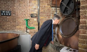 Chancellor Philip Hammond visits  Fuller's brewery.