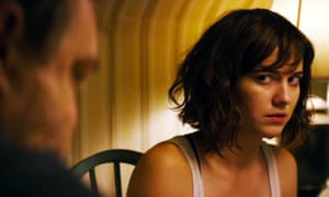 10 Cloverfield Lane review – monster 'sequel' is more Hitchcock than