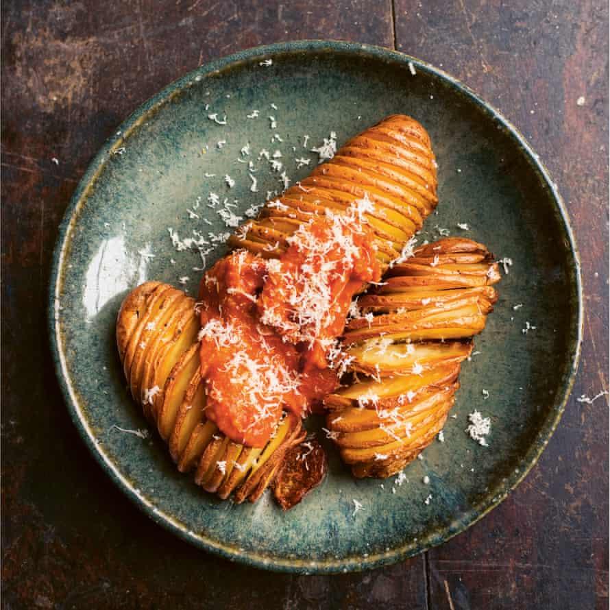 Potatoes, tomato, horseradish.