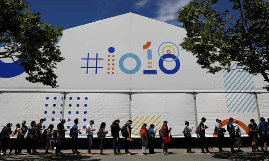 Attendees wait in line to attend a session during the annual Google I/O developers' conference in Mountain View, California