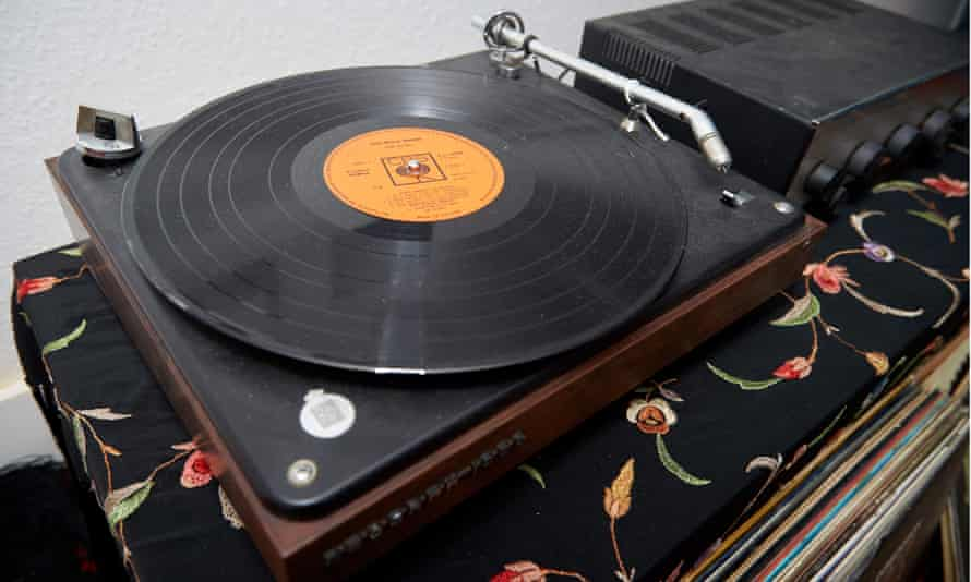 A mock-up of Jimi Hendrix's B&O record player.