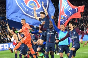 PSG players celebrate after winning the league.