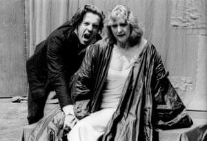 Damian Lewis (Hamlet) and Pamela Miles (Gertrude) at Regent's Park Open Air theatre, London, directed by Tim Piggott-Smith in 1994.