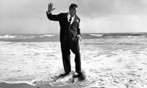 Sir Fred Pontin, 1967. Sally Soames had him stand with his back to the sea and when a surprise wave washed across his feet she caught him in a single exposure.