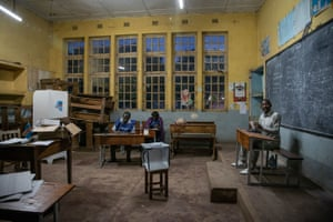 Lubumbashi: Electoral commission agents  in a polling station