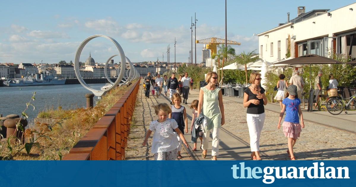 City breaks with kids nantes travel the guardian for Piscine ile gloriette nantes