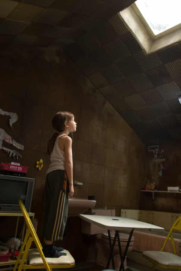 A glimpse of the mysterious sky beyond … Jacob Tremblay in Room
