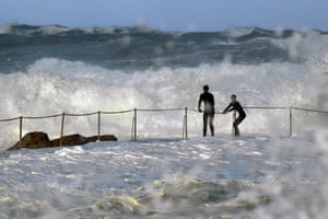 Large waves hit onlookers at Bronte pool in Sydney