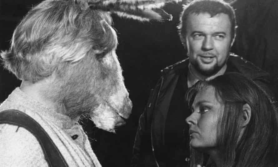 Peter Hall in 1968, directing A Midsummer Night's Dream with Paul Rogers (left) as Bottom, and Judi Dench as Titania.