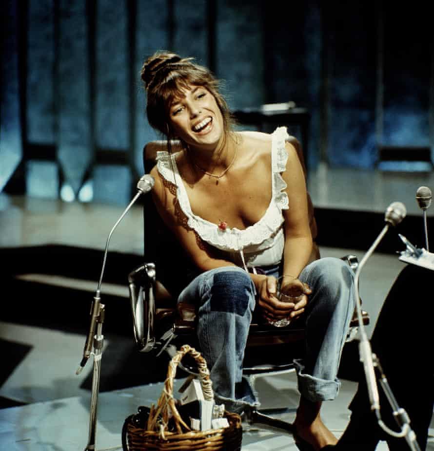 Jane Birkin – with basket – in 1977.