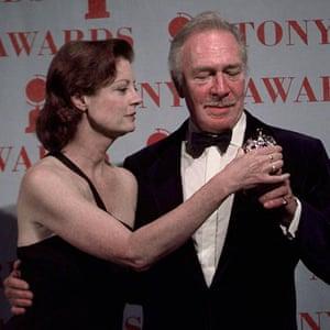 Presenter Susan Sarandon gives Christopher Plummer his Tony Award at Radio City Music Hall in New York on 1 June 1997