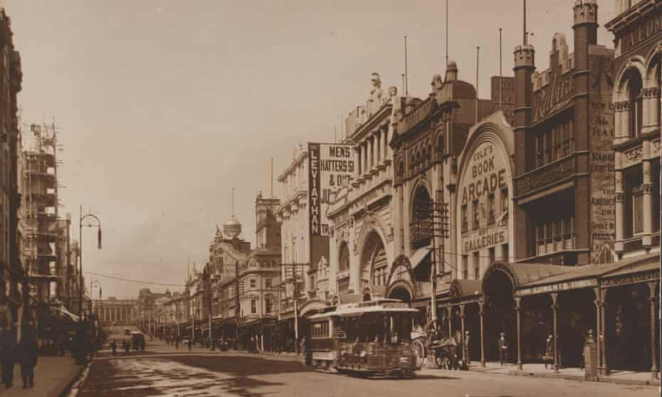 Cole's Book Arcade (right) was a feature of Melbourne's Bourke St Mall until 1929.