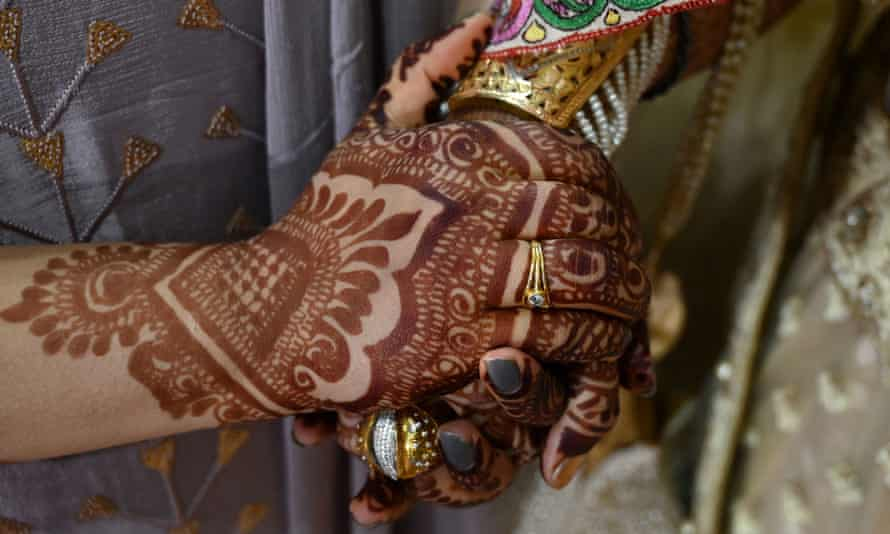 a bride's hand in kashmir