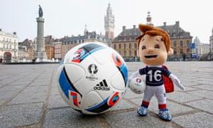 Euro 2016 mascot Super Victor in Lille