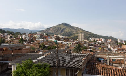 Widescreen view from Cali's Parque Artesanal. Colombia.