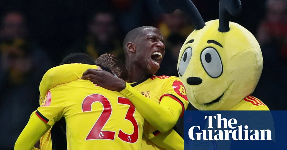 Deulofeu and Doucouré deliver victory for 10-man Watford over Wolves